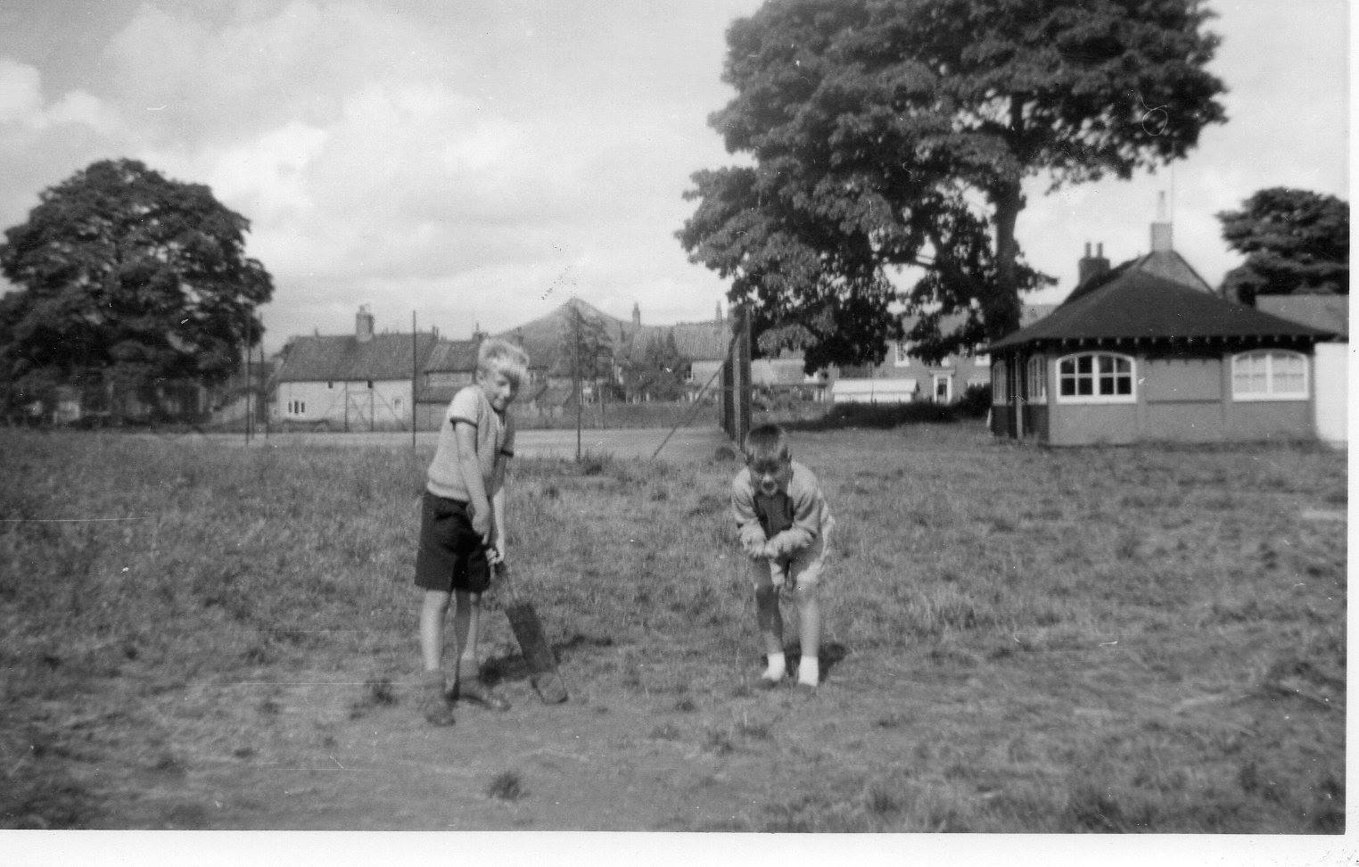 boys-playing-cricket-great-ayton-tennis-club-black-and-white